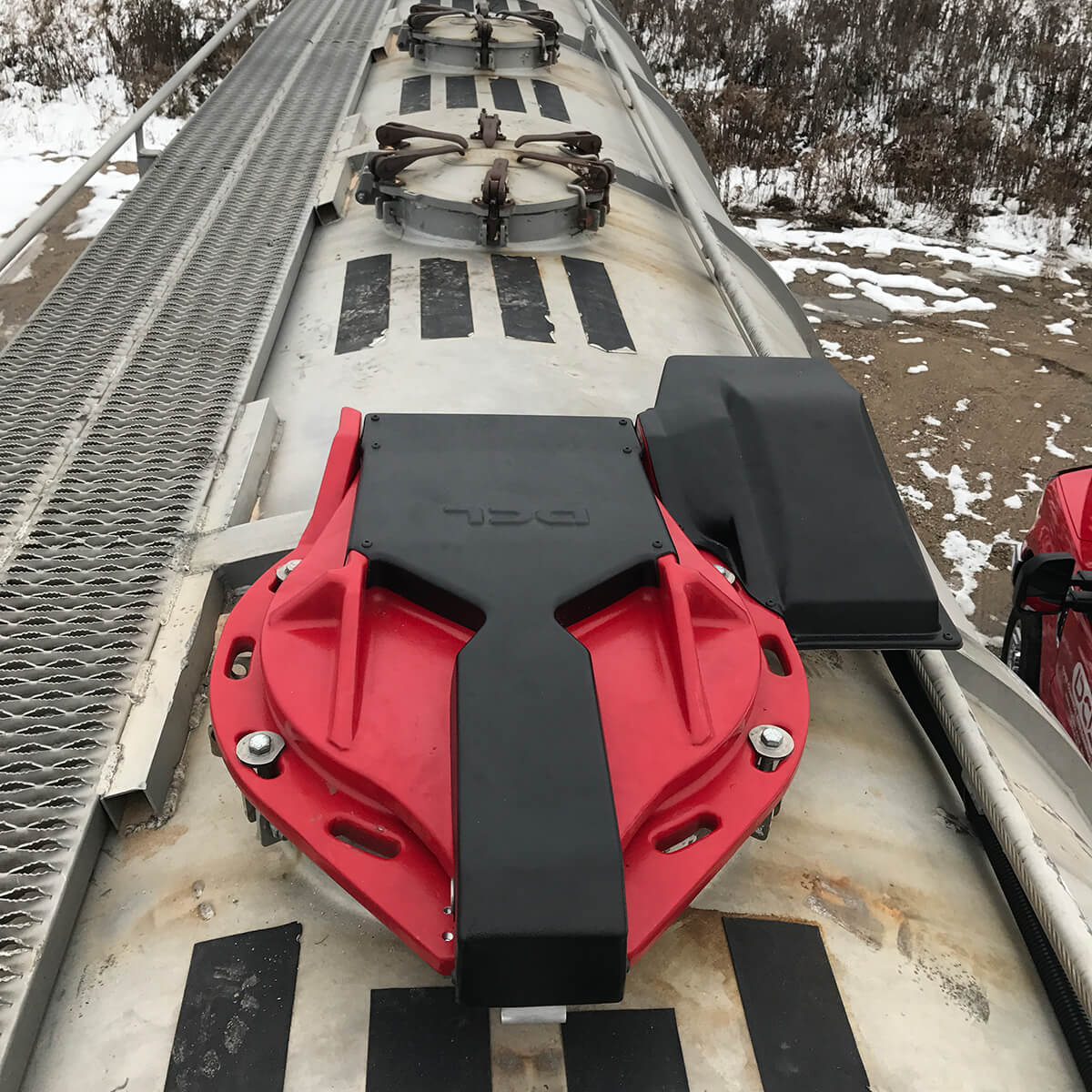 Autohatch™ closed on a tank trailer
